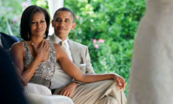 barack-and-michelle-obama-watching-a-wedding-1-350x191